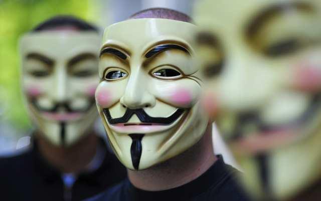 Christopher Poole, Zuckerberg y la identidad