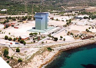 Estado actual de la central nuclear clausurada de Vandellós I (Tarragona)