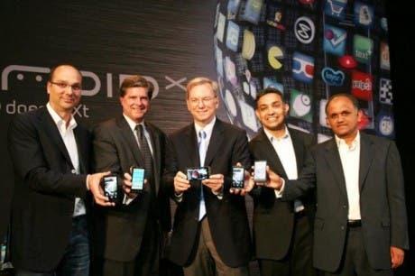 ¡Google dice Hello Moto! y adquiere Motorola Mobility. ¿Pero qué compró exactamente?