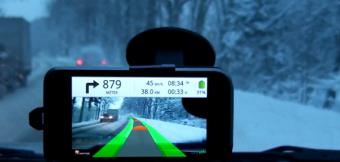 GPS que usa la realidad aumentada para mejorar la conducción