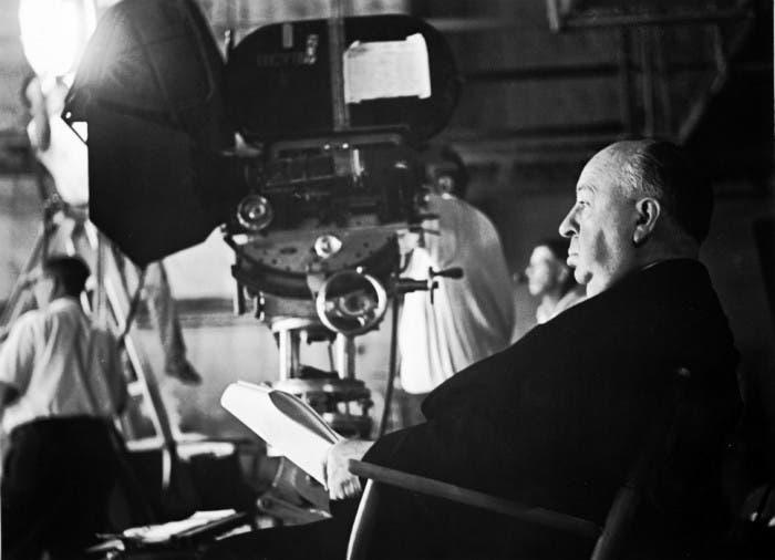 Alfred Hictchcock durante el rodaje de una de sus películas