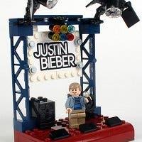 Fotografía de un prototipo de LEGO de Justin Bieber