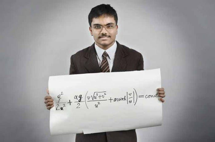 Joven Adolescente Resuelve Problema Isaac Newton