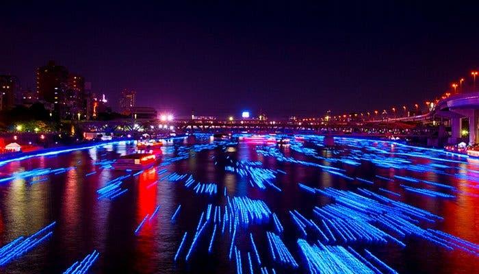 Fotografía del río Sumida iluminado por LEDs