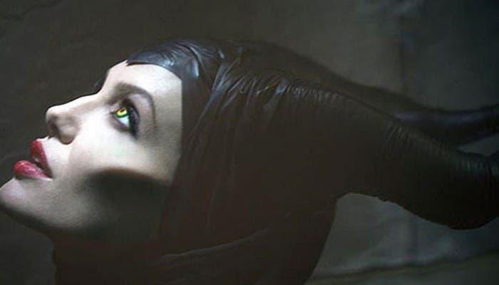 Angelina Jolie caracterizada
