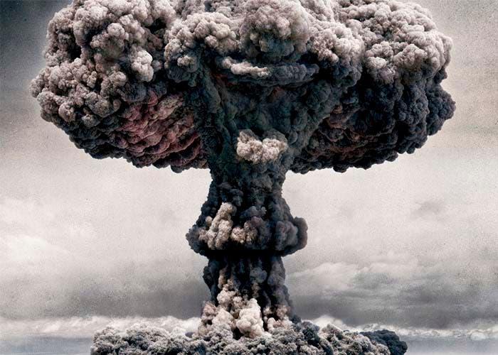 El viejo Allan está detrás de la bomba