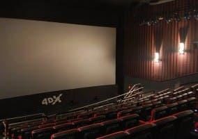Imagen de una sala de cine en formato 4DX