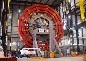 Fotografía del LHC durante su construcción