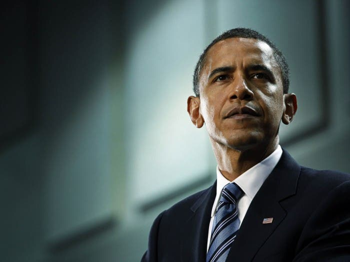 Barack Obama con traje azul