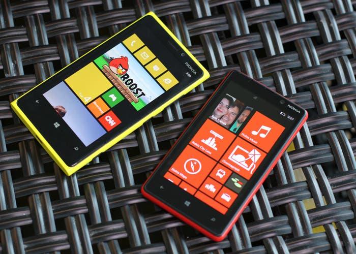 Fotografía de los smartphones Nokia Lumia 920 y 820