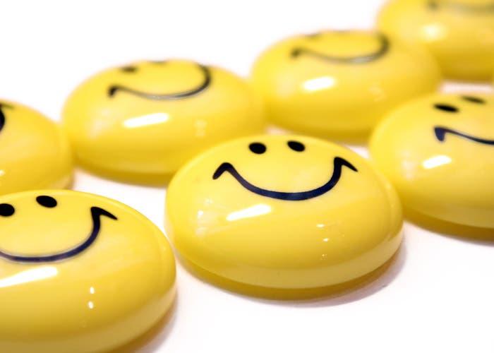 Caras amarillas sonrientes.
