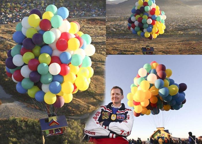 Casa con globos alzando el vuelo y su piloto Jonathan Trappe