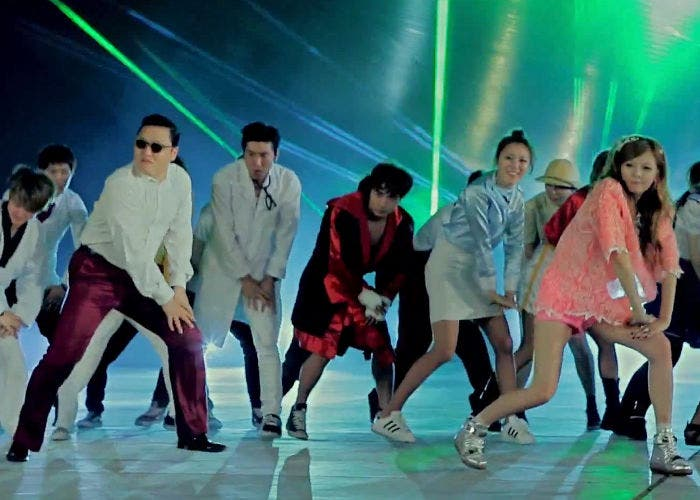 Fotograma del vídeoclip Gangnam Style de PSY