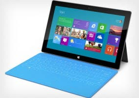 Imagen de un tablet Microsoft Surface con su teclado