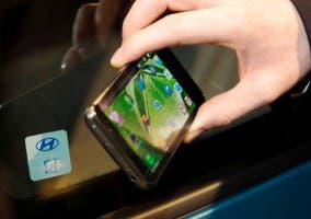 Ejemplo del uso del NFC en un coche Hyundai