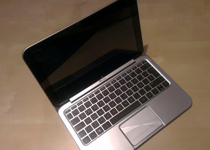 Portátil HP Envy X2 completo