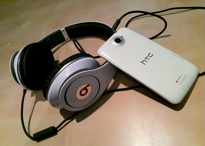 Auriculares Beats Audio con HTC One X