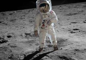 Buzz Aldrin sobre la luna