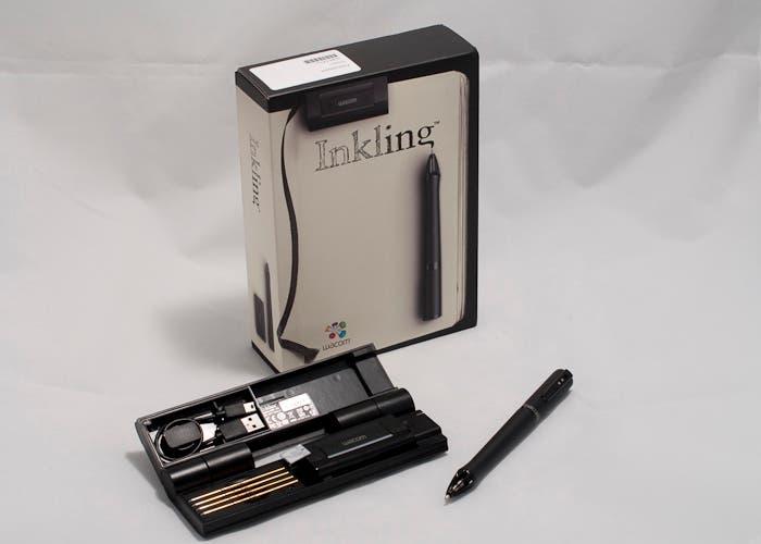Lápiz digital Inkling con su estuche y su caja
