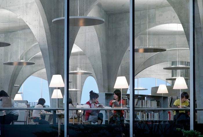 Biblioteca Universidad Tama Toyo Ito