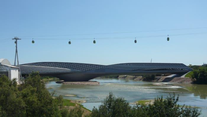Pabellón Puente Expo 2008 Zaha Hadid
