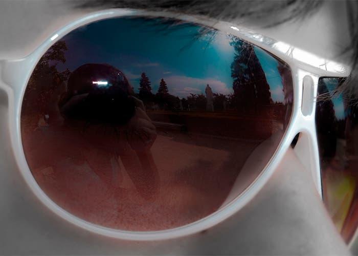 Autorretrato Aranzazu Santana en unas gafas de sol