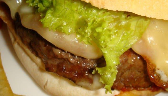 Detalle de una hamburguesa