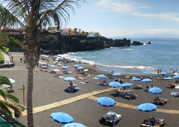 Playa de arena negra en Tenerife