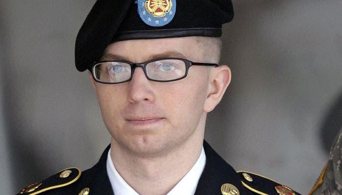 Bradley Manning con uniforme de soldado