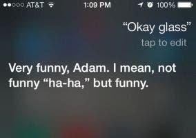 Siri bromeando de Google Glass