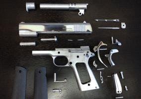 Pistola impresa en 3D con metal