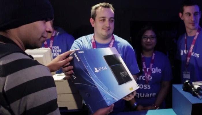 Imagen de la venta de una consola PlayStation 4