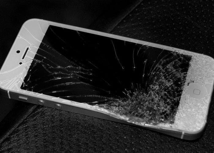 Imagen de un iPhone roto