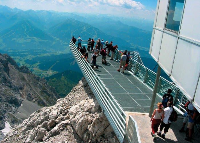 Plataforma situada en el Glaciar Dachstein (Austria)