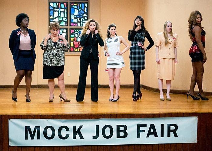 Las internas de la prisión en Mock Job Fair, Orange is the New Black