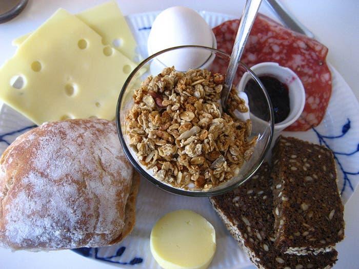 Típico desayuno danés