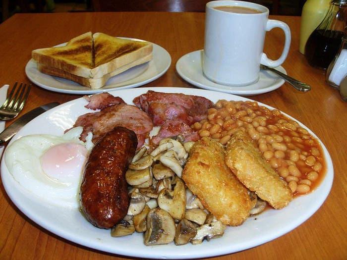 típico desayuno inglés