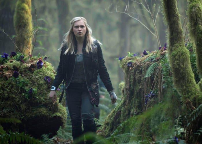 Eliza Taylor es Clarke