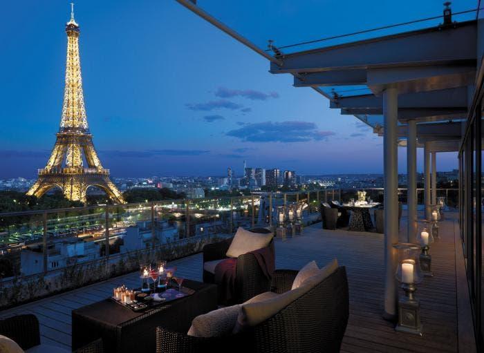 Vistas desde el Shangri-la a la torre Eiffel