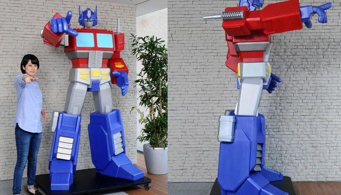 Estatua Optimus Prime
