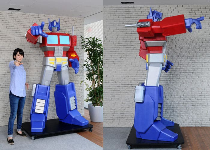 Estatua Optimus Prime