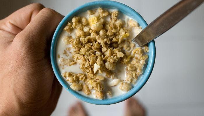 Taza con cereales