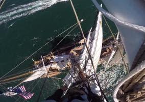 Barco visto desde el mástil