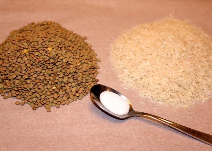 Un poco de arroz, de lentejas y sal