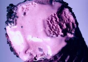 Helado violeta