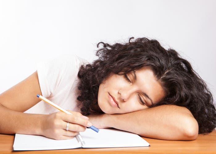 Estudiante dormida