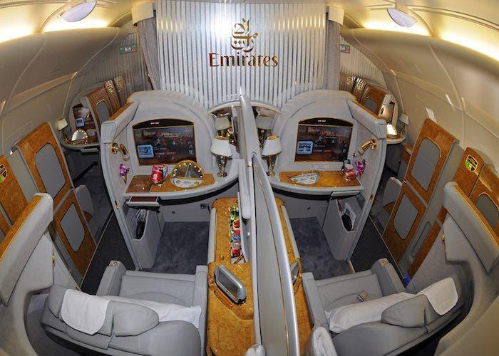 a380-emirates-dual-cabin