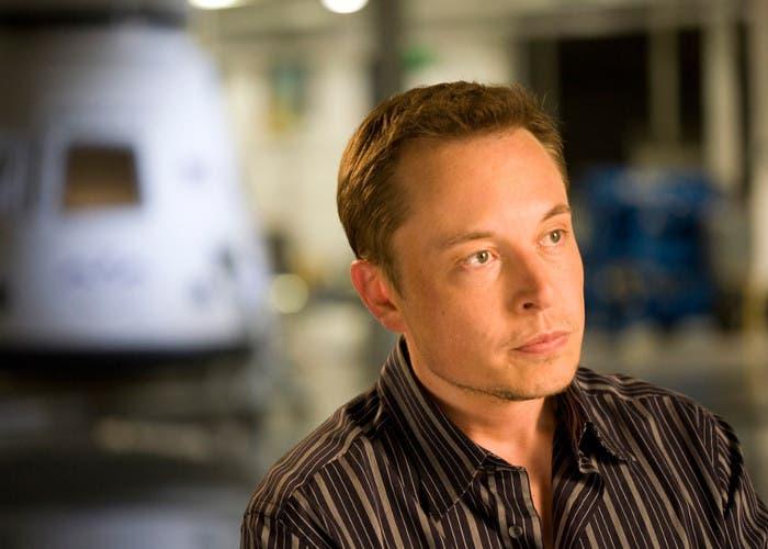 El emprendedor Elon Musk en su empresa SpaceX