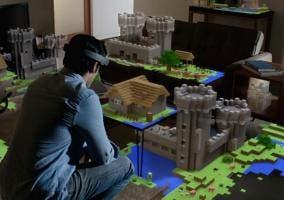 t HoloLens ejecutando el juego Minecraft