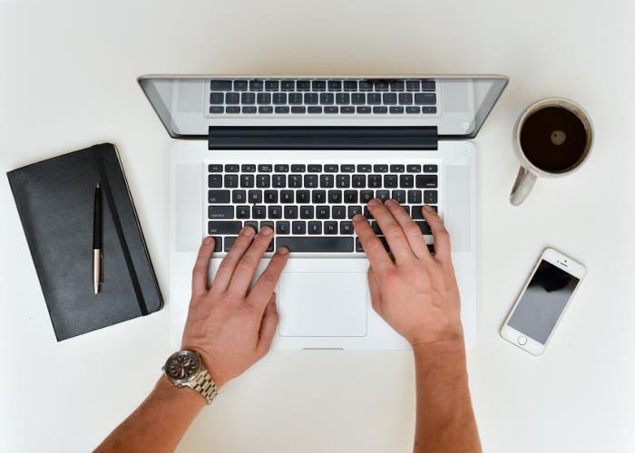 Escribiendo en una portátil
